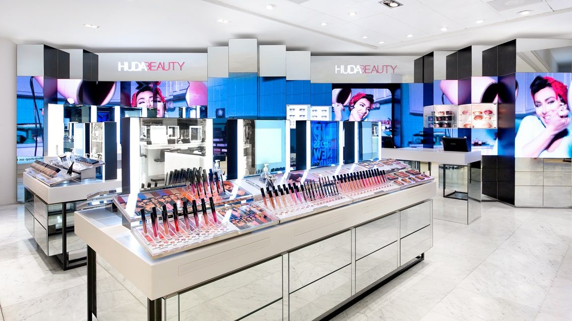 3D Digital Signage Experience – Huda Beauty